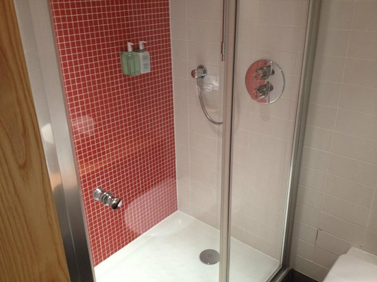 Grasshoppers Hotel Glasgow: Ванная комната