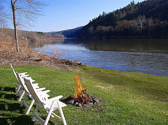 1870 Roebling Inn on the Delaware : Perfect place to birdwatch