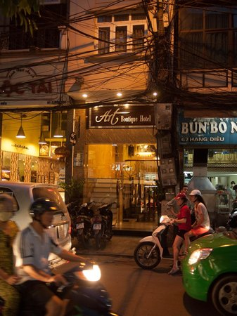 Hanoi Art Boutique Hotel: front of the hotel