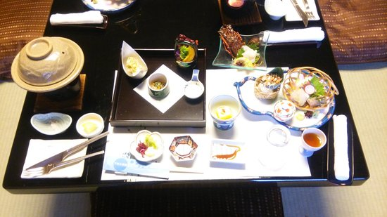 Shimoda Yamatokan: おいしい料理