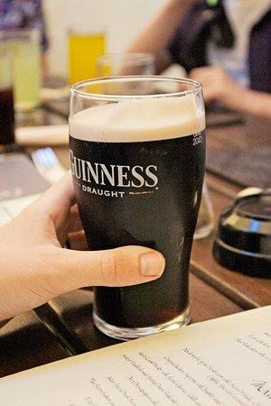 The Masham Public House: Guinness, my man's choice of beverage.