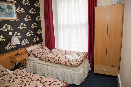 Ashfield Hostel: Twin room