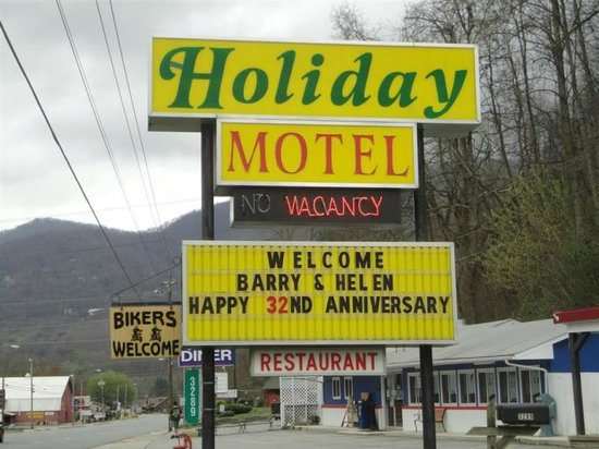 A Holiday Motel : A fine welcome to us both