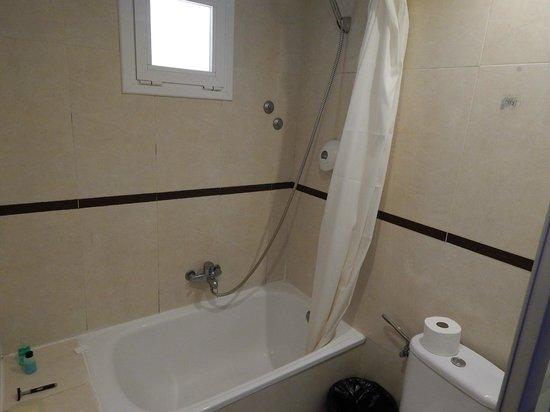 Hotel Villamarina Club: Bathroom