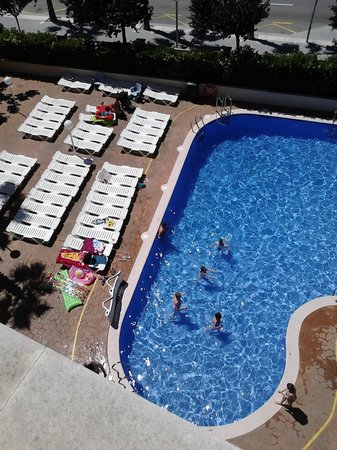 Hotel Villamarina Club: Main pool from roof terrace