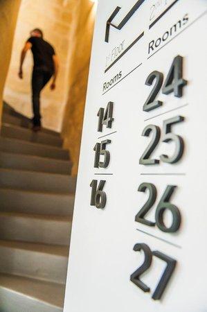 Hôtel La Cour Carrée : Escalier