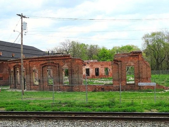 B & O Roundhouse: ruins of first roundhouse