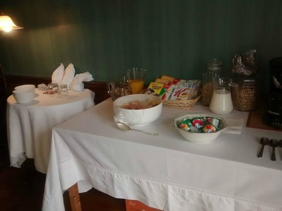 Glenavon House: Breakfast Spread