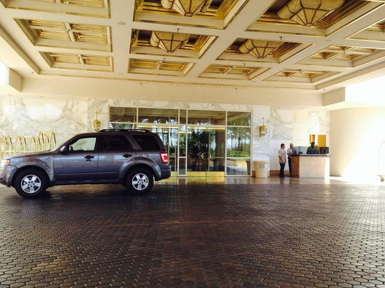 MGM Grand Hotel and Casino: Valet
