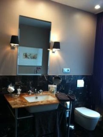 Huis Koning : Augustijn Room - Bathroom
