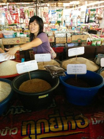 A lot of Thai : Home cooking class: At the markets