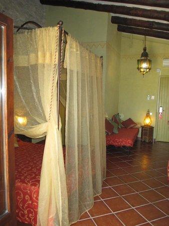 Hotel Peralta: Habitación