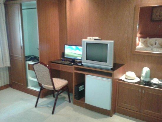 Palm Beach Hotel Phuket: Computer