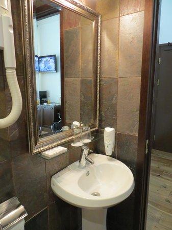von Stackelberg Hotel Tallinn: bathroom