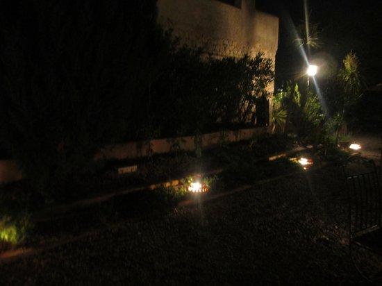 Hotel Peralta: Jardines