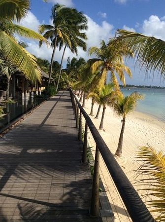 Beachcomber Trou aux Biches Resort & Spa: board walk in resort