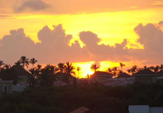 NH Punta Cana: Вид из окна  - рассвет