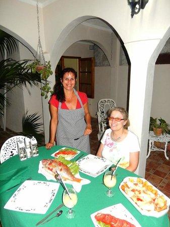 Hostal Puerto Casilda: Ana & Sue