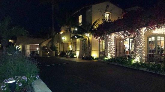 Brisas Del Mar, Inn At The Beach : So pretty at night