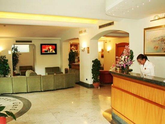 Comfort Hotel Gardenia Sorrento Coast: Hotel lobby