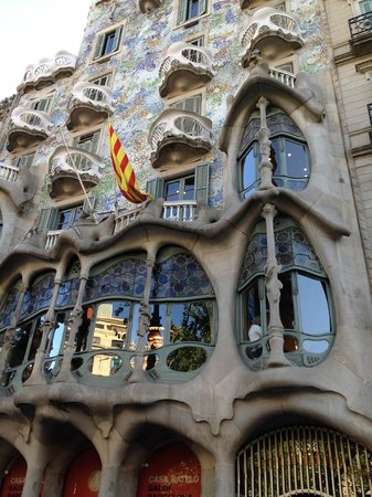 Best Western Premier Hotel Dante : close to Gaudi buildings