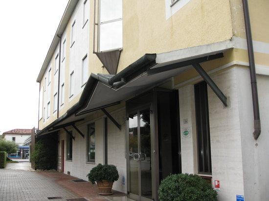 Hotel le Calandre: ingresso hotel