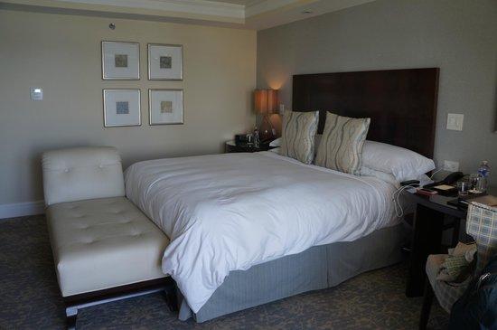 The Ritz-Carlton, Laguna Niguel: King and Chaise