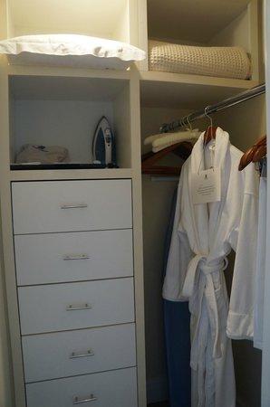The Ritz-Carlton, Laguna Niguel: small walkin closet