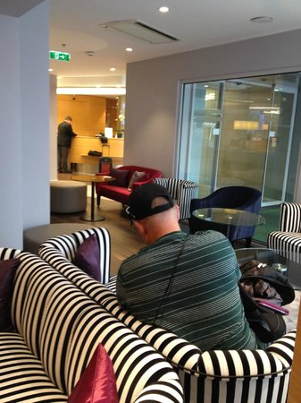 Holiday Inn Vienna City: lobby area
