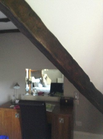 Hatton Court Hotel: low beam in room