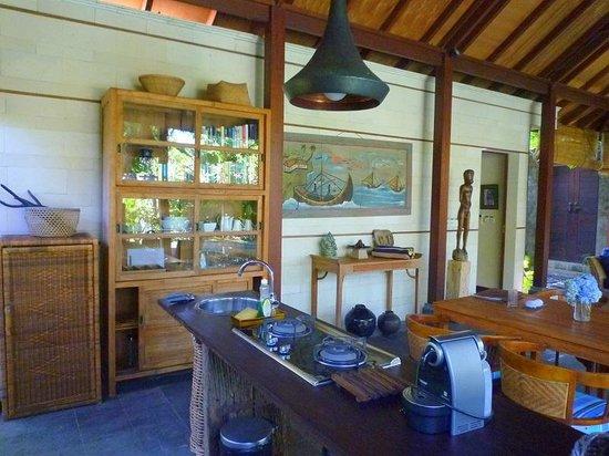 Mango Tree Villas : kitchen