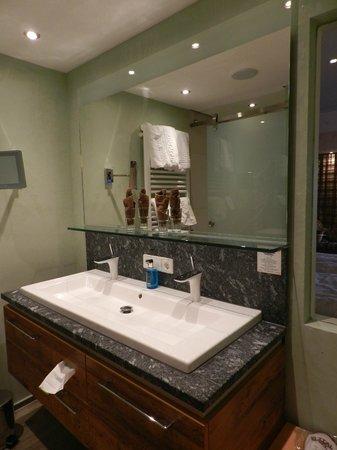 Elztal Hotel: Badezimmer