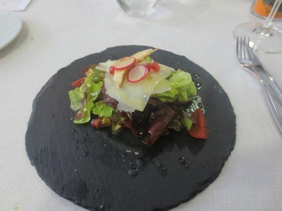 La Forquilla: Salat /Granatapfel / Artischocken / Parmesan/Honig-Apfel-Vinegrette