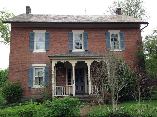 Zoar School Inn Bed and Breakfast: Historic Olde Schoolhouse