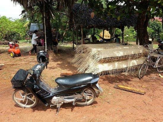Sabai Adventures Cambodia - Day Tours: Experiencing village life