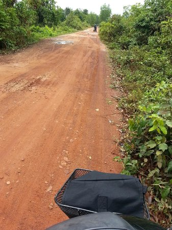 Sabai Adventures Cambodia - Day Tours: Ride through the rugged roads