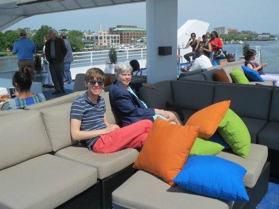 Spirit of Washington Cruises: Enjoying the upper deck!