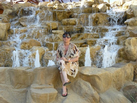Xperience Kiroseiz Parkland : Chilling by the waterfall