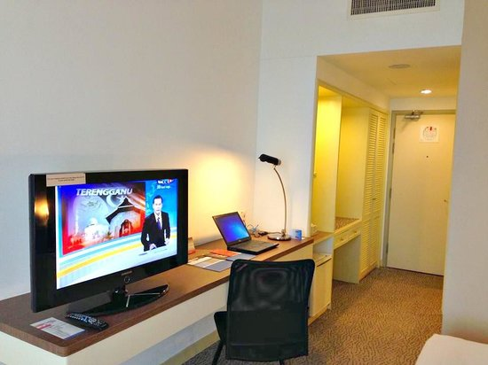 Hotel Armada Petaling Jaya: Very Far from Eating Places