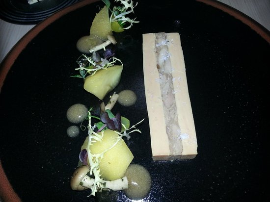 LouLou Restaurant: Duck foie gras parfait, duck rillettes, mushrooms, Nomu Tokaj vinegar, apple, chamomile.