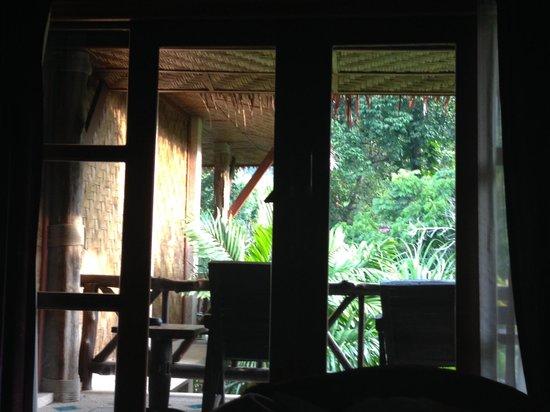 Somkiet Buri Resort: stanza con affaccio su piscina