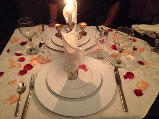 Ryad Amiran : La mesa siempre bien decorada