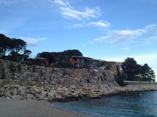 Le Meridien Beach Plaza : view from beach