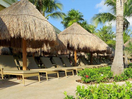 Iberostar Paraiso Maya: More new loungers on Maya side