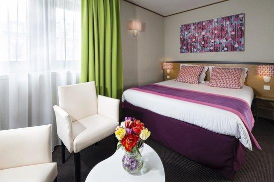 Hotel Paris Louis Blanc: Chambre supérieur - Superior room Hôtel Paris Louis Blanc