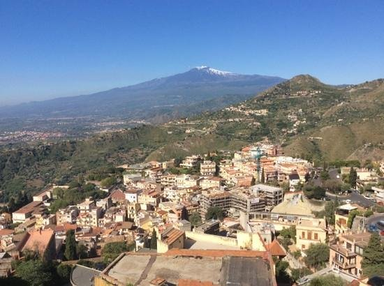 Hotel Villa Angela: view of Mount Etna from our balcony!