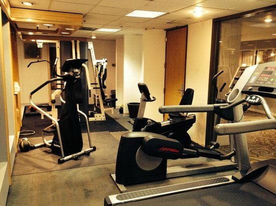 Crowne Plaza Redondo Beach & Marina: Not so state of the art gym