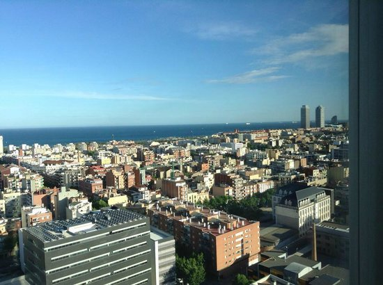 The Level at Melia Barcelona Sky : View from junior suite