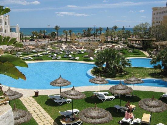 Lella Baya: piscine
