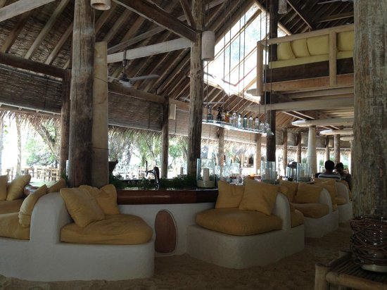 Soneva Fushi Resort: The Main Bar